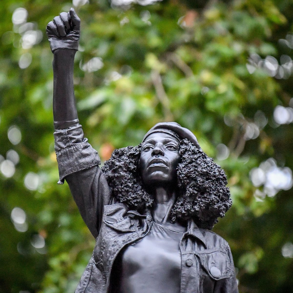 Colston statue replaced with Marc Quinn's sculpture of Black Lives Matter  activist [updated] - ArtReview